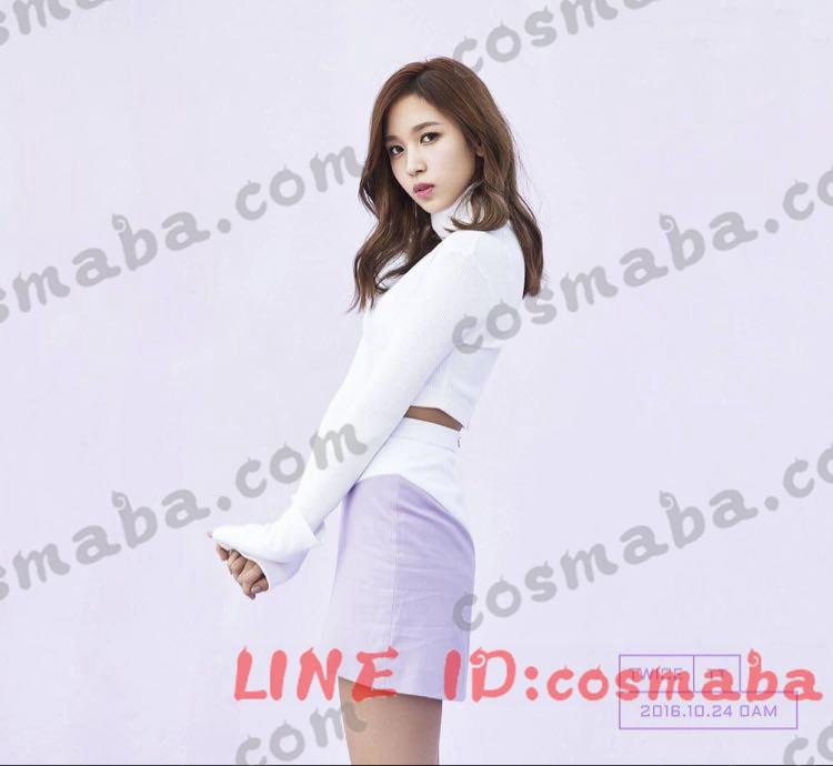 TWICE idol room 紫白い衣装